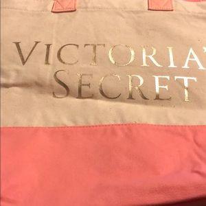 Victoria's Secrets 2 beach bags in one